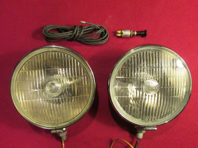 1071 Lucas SFT700S Fogl  Pair NOS on 1950s car dashboards