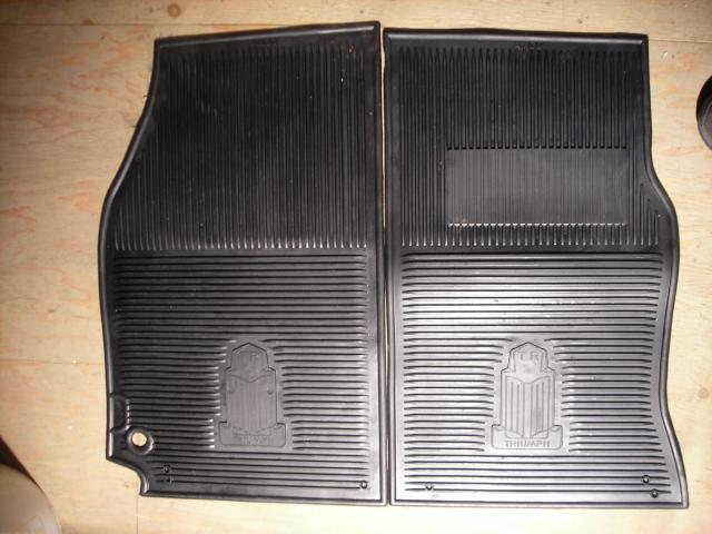 AMCO Rubber Floor Mat Pair, Triumph, New